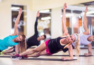 summer-exercise-side-plank
