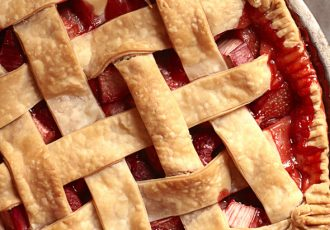 201108-omag-pie-strawberry-600x411