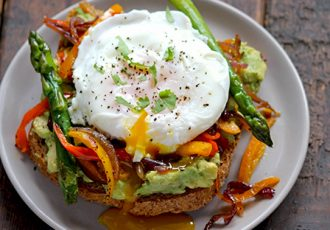 Smashed-Avocado-Toast-with-Veggies-2