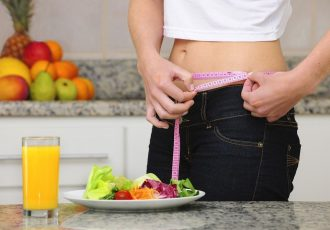 young_woman_lost_weight_eating_healthy