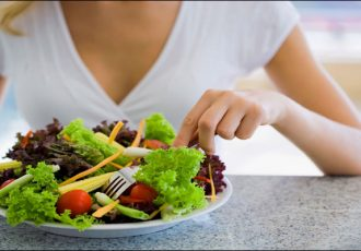 609395-salad