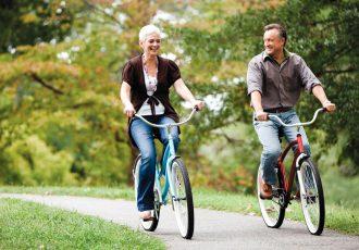 couple-cycling