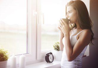 woman-waking-up
